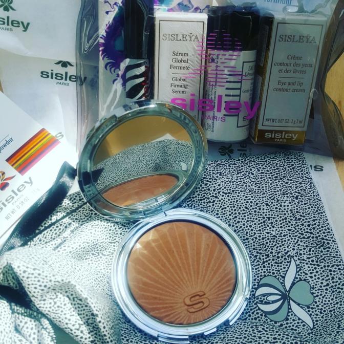 Sisley Phyto-touche illusion d'ete. Sun glow bronzing powder review
