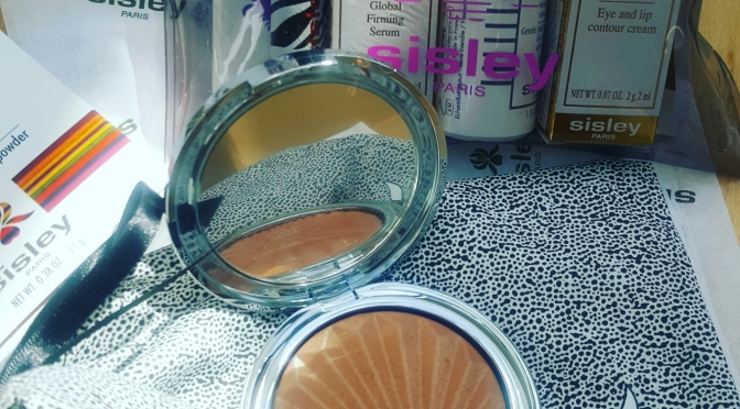 Sisley Phyto-touche illusion d'ete. Sun glow bronzing powder review