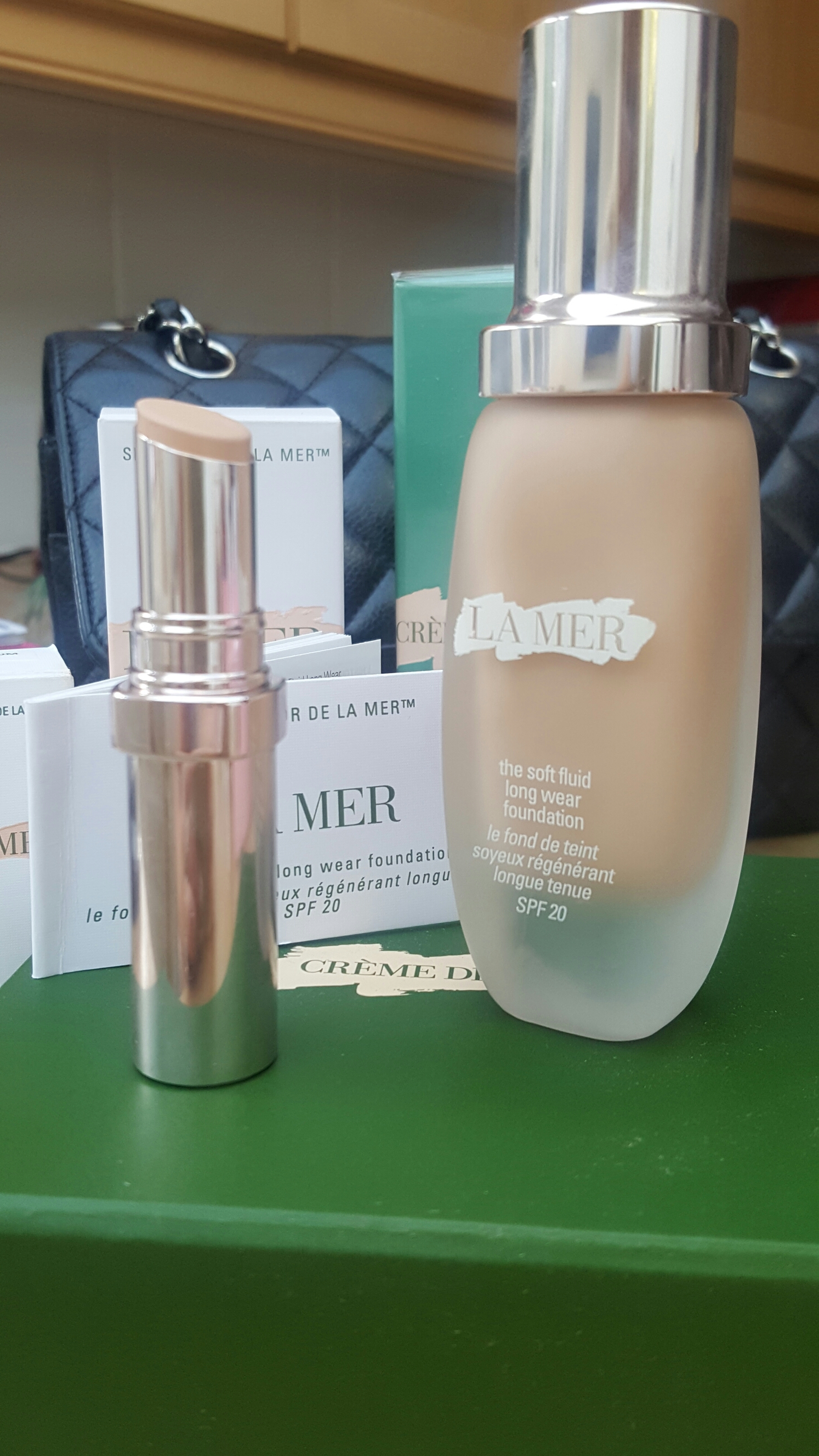 Creme De La Mer Themakeuptent The Mist Anyone Who Has Read Any Of My Previous Posts Will Know That I Have A Long Term Love Affair With So When New Skincolor Range Came On Sale